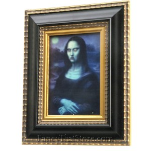 Mona Lisa Altared Images from Haunted Memories