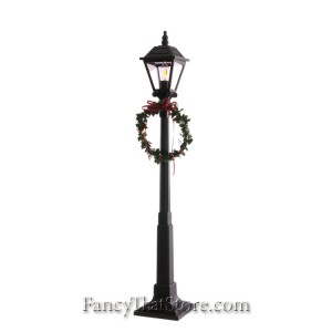 Lamppost by Byers' Choice